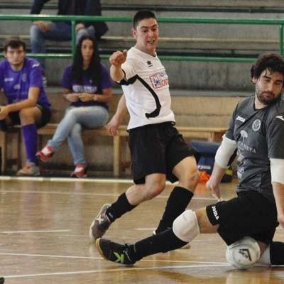 El Racing Cuéllar golea al Nieva Futsal y es tercero en la Primera Provincial Aficionados de fútbol sala