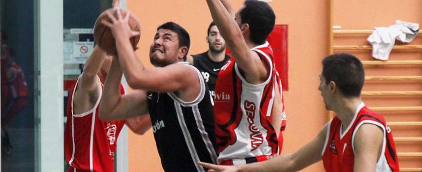Las faltas protagonizaron los partidos de los equipos senior masculino del Baloncesto Cuéllar