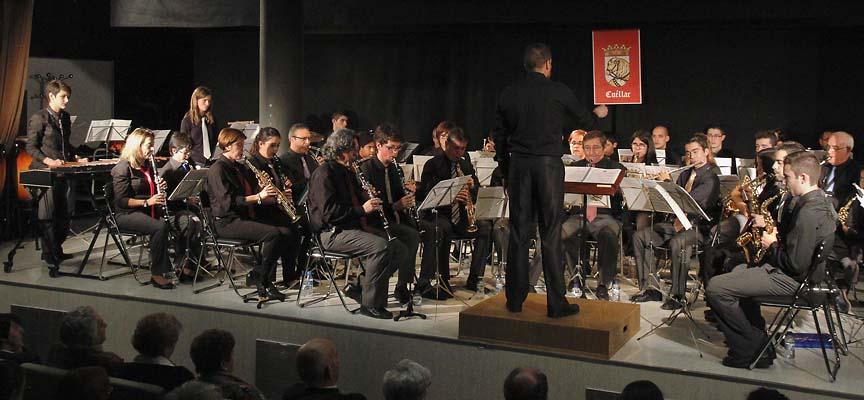 """La Banda Muncipal de Música de Cuéllar """"Cecilio de Benito"""" durante el concierto en la sala Alfonsa de la Torre."""