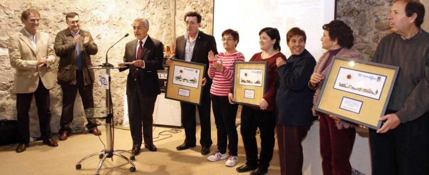 Apadefim-Fundación Personas reconoce el apoyo del Ayuntamiento y el valor de los voluntarios en la inauguración de su muestra de artesanía