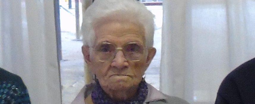 La abuela Flora celebra su 100 cumpleaños