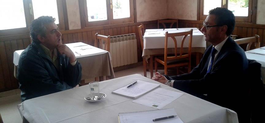 Entrevista mantenida con el alcalde de San Miguel de Bernuy.