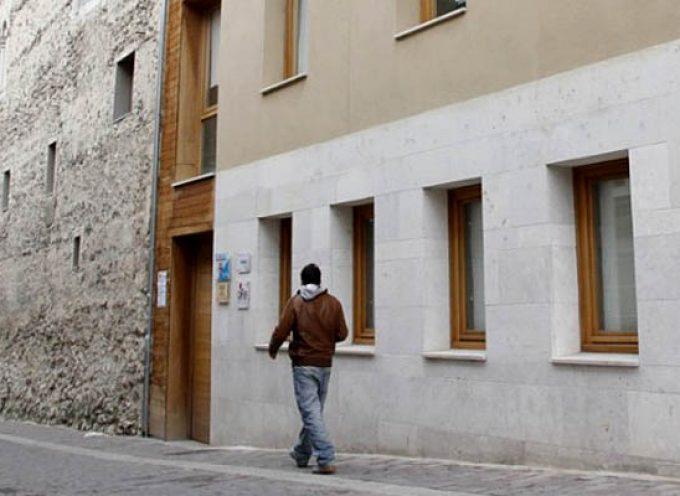 El Ayuntamiento subvenciona un curso de atención a dependientes en su domicilio