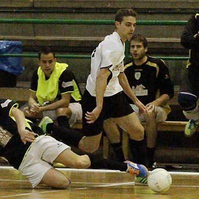 El Racing Cuéllar juega su primer partido en Tercera División como local