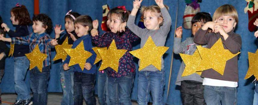 Los escolares iniciaron sus vacaciones tras sus festivales navideños