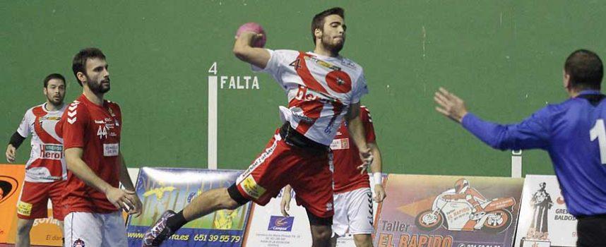 El Balonmano Nava venció en casa del histórico Bidasoa Irún y se sitúa a tres puntos del segundo puesto