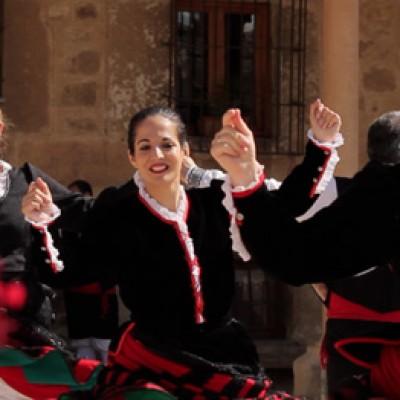 Grupos de danzas de la comarca participarán en el I Certamen de Danza Emperador Teodosio