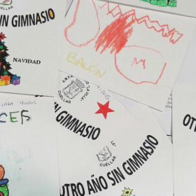 Los alumnos de La Villa reclaman el gimnasio en sus felicitaciones navideñas