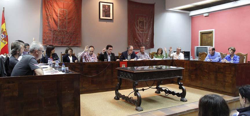 Concejales durante el desarrollo de un pleno.