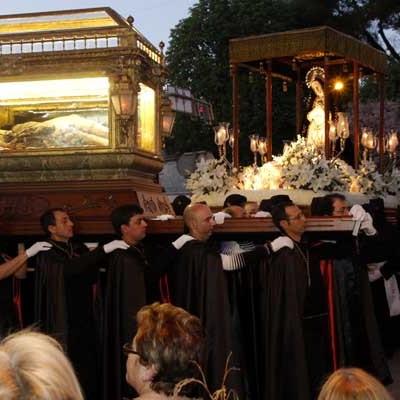 La Cofradía del Cristo Yacente busca costaleros para portar la imagen en Viernes Santo