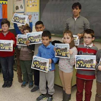 Los alumnos de La Villa editan un calendario reivindicativo del gimnasio