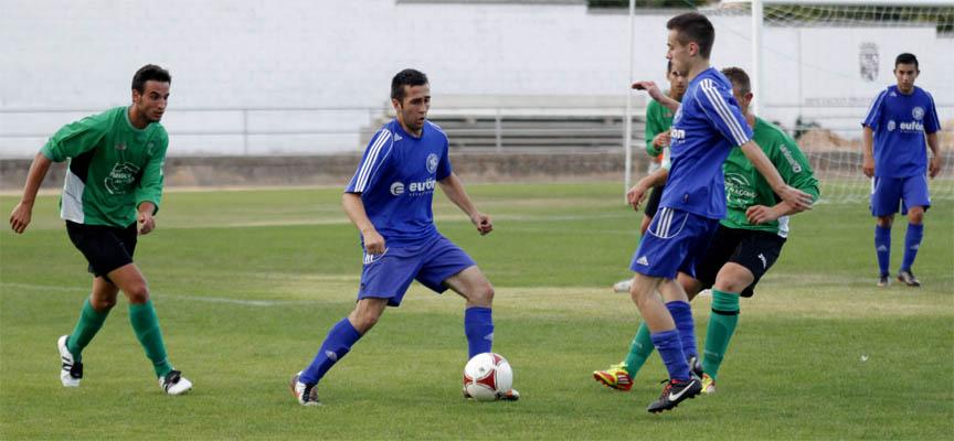 Imagen del partido disputado entre Cuéllar y Villamuriel en la primera vuelta la de la Liga 2014-15.