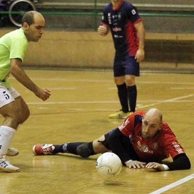El FS Naturpellet Cuéllar sigue negado con el gol y perdió en su visita a tierras gallegas