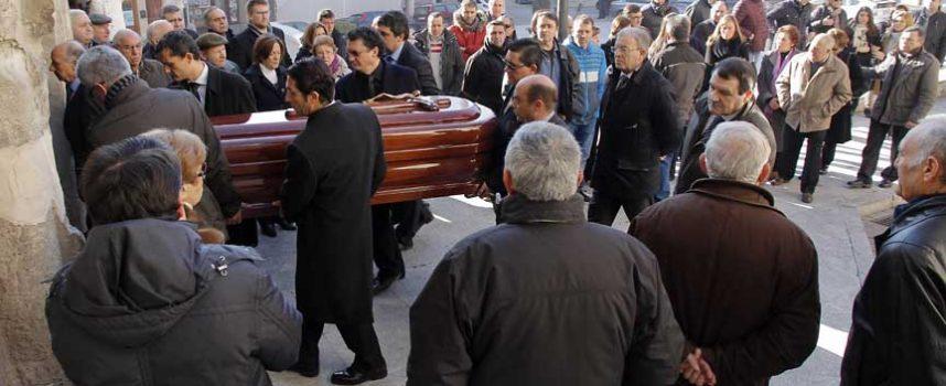 Los vecinos dieron su último adiós al ex alcalde Luis Zarzuela
