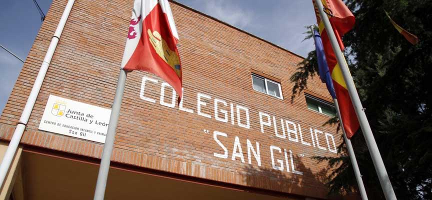 Fachada principal del colegio San Gil de Cuéllar.