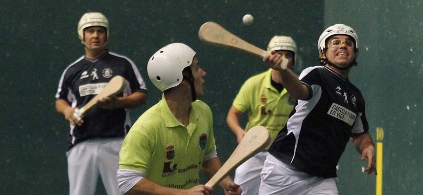 Un momento del partido de pala corta ente Vallelado y Benahadux.