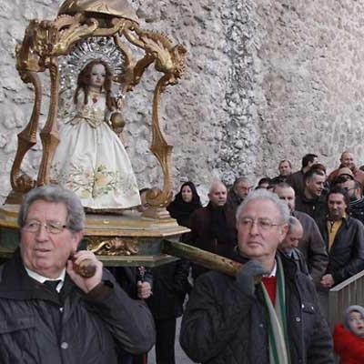El Niño de la Bola abrirá el año recorriendo las calles del casco histórico de Cuéllar