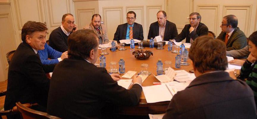Miembros del jurado de los premios Segovia Experience durante la deliberación.