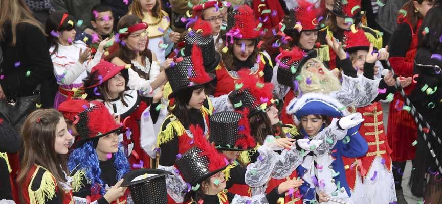Imagen de archivo de un desfile infantil de carnaval en Cuéllar.