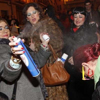 La lluvia acompañó a la música, los disfraces y la diversión del carnaval cuellarano
