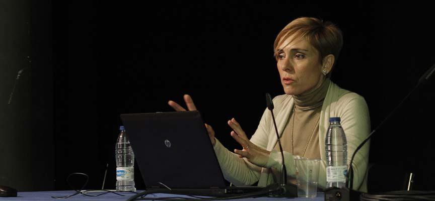 María Isabel Font durante su ponencia