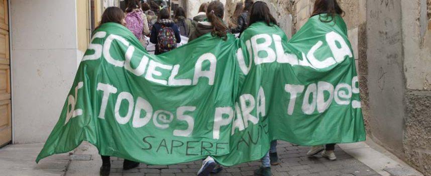 Los alumnos de secundaria de Cuéllar se suman a la convocatoria de huelga