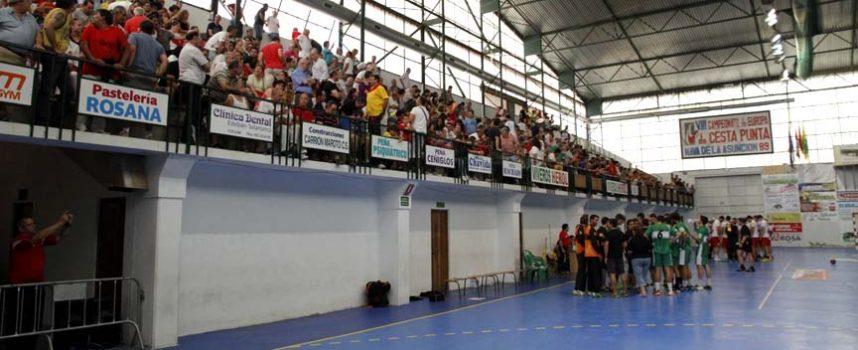 El Balonmano Nava inicia una recogida de firmas para pedir la finalización de polideportivo