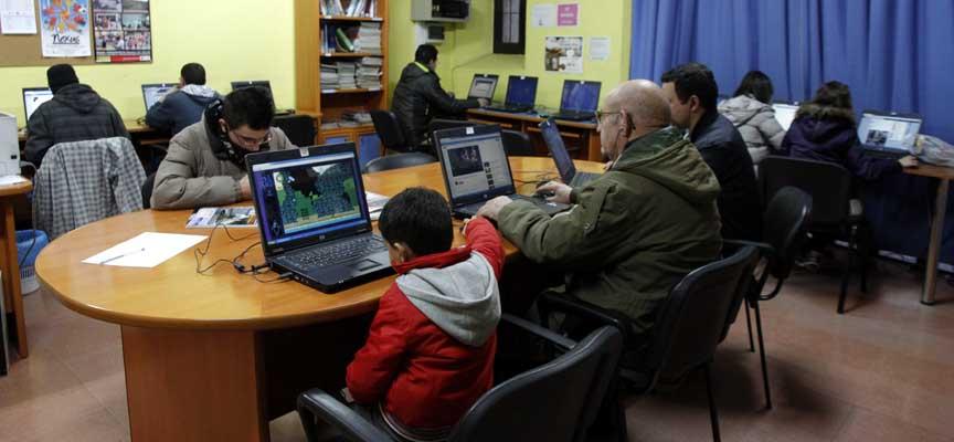 Sala de informática de la Casa Joven.