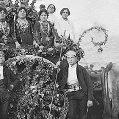 Carlos Porro ofrecerá una conferencia  en el Torreón de Lozoya sobre el archivo fotográfico del cuellarano Padre Benito de Frutos