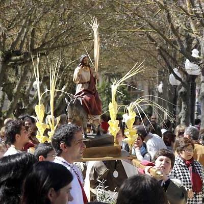 La procesión del Domingo de Ramos contó con mucha participación