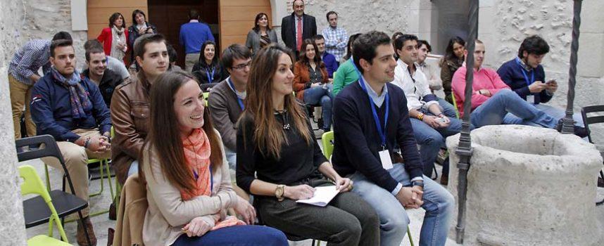 Raquel Fernández abrió el curso formativo de NNGG en Cuéllar