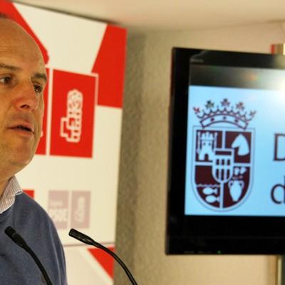 El PSOE exige a la Junta medidas para mejorar y ayudar al sector resinero.