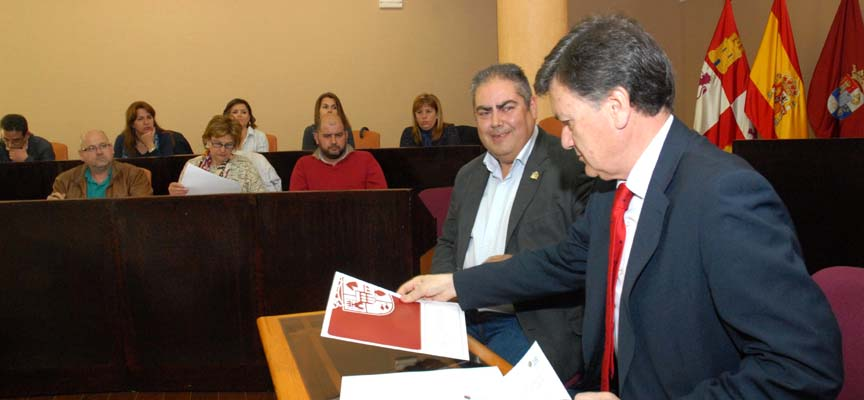 Firma de los convenios en Diputación.