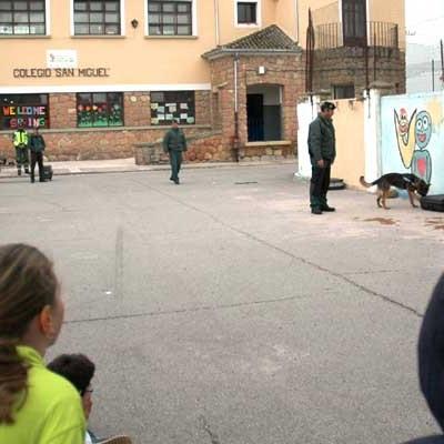 Exhibición de medios de la Guardia Civil en Fuentepelayo