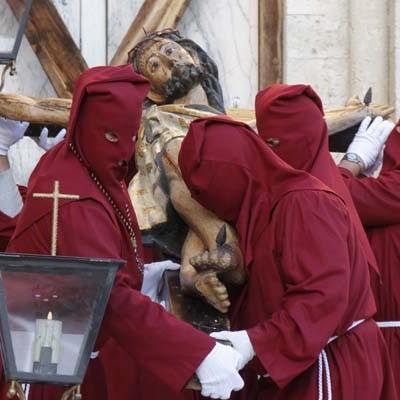 La zona norte de la villa acoge hoy la procesión de Jueves Santo