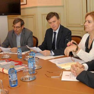 La Diputación anticipa a los ayuntamientos 8,6 millones de sus tributos de 2015