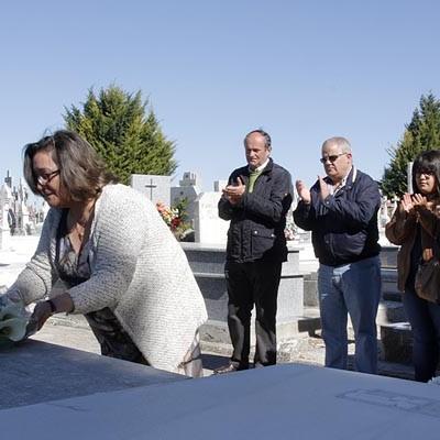 Flores y poesía en el Centenario del Nacimiento de Alfonsa de la Torre