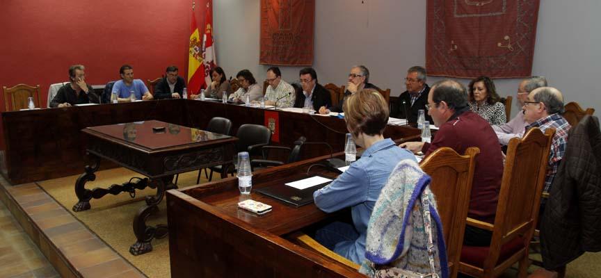 Concejales durante el desarrollo del último pleno ordinario de la legislatura.