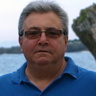 El cuellarano Andrés Suárez octavo clasificado en el certamen Poético organizado por Teatro Luna Azul