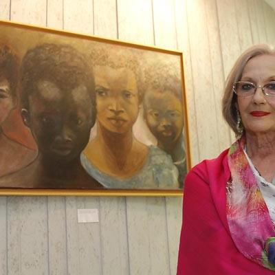Retratos obra de Marta May en la sala Alfonsa de la Torre