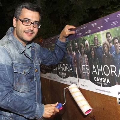 Los candidatos abrieron la campaña con la tradicional pegada de carteles