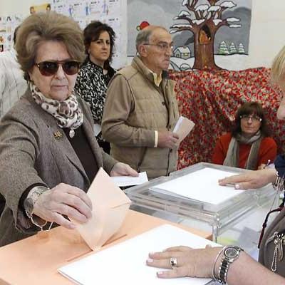 El 36,51 por ciento de los electores cuellaranos han depositado su voto hasta las 14.00 horas, cinco puntos menos que en 2011