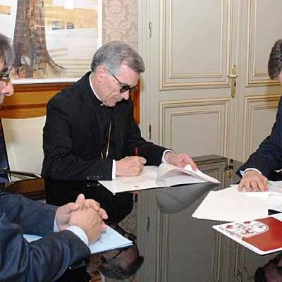 Diputación y Obispado firman un convenio para la conservación y reparación de iglesias y ermitas de la provincia