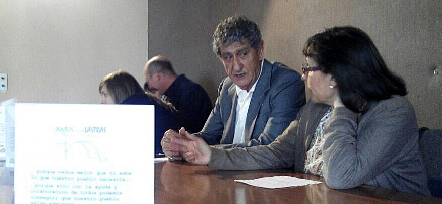 Andrés García junto a otra de las integrantes de su equipo.