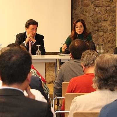 Silvia Clemente informó a los empresarios de los planes del PP la próxima legislatura