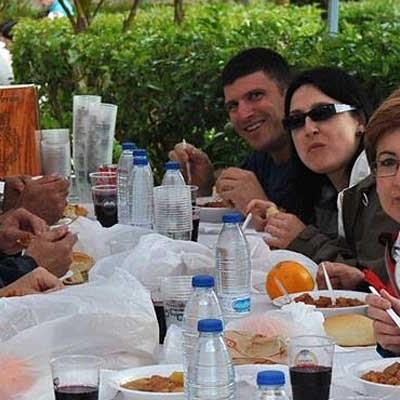 Los vecinos de El Salvador y La Cuesta disfrutaron en la fiesta de El Postiguillo