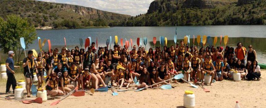 Participantes del programa Construyendo mi futuro disfrutaron de un día en el rio Duratón
