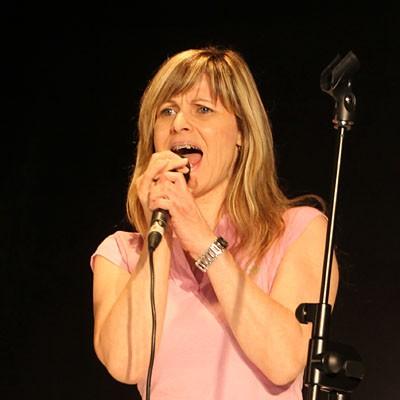 Un karaoke abre la Semana de la Música de la Escuela de Cuéllar