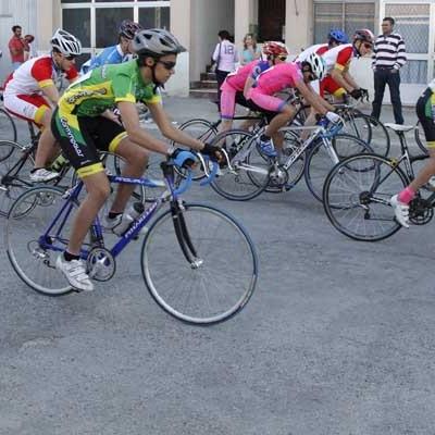 Las escuelas de ciclismo cumplen con su cita en Cuéllar