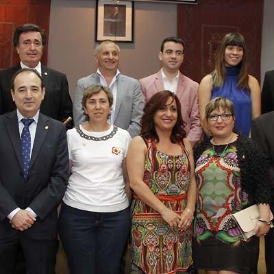 PSOE e IU inician sus peticiones al Equipo de Gobierno en el pleno de investidura